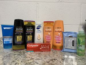 **NEW** Womens Bundle! for Sale in Wyomissing, PA