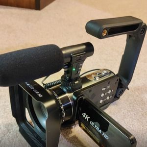 Linnse 4k camcorder Video Camera Cam For Vlogging Youtube for Sale in San Antonio, TX