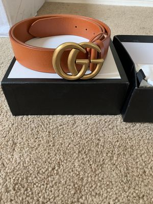 WOMENS GUCCI BELT WITH BOX AND CLOTH BAG for Sale in Surprise, AZ