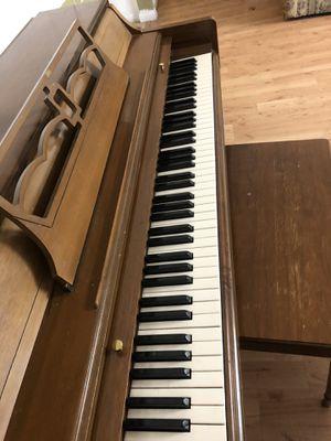 Piano. Pick up at Cerritos. Whorls good for Sale in La Palma, CA
