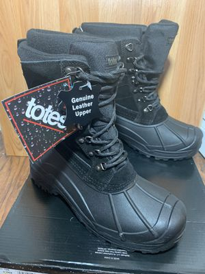 Brand new totes rain/snow boots size 9 med for Sale in Tuckerton, NJ