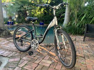 Trek navigator 200 Women's fitness hybrid bike for Sale in Miami, FL