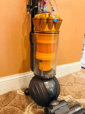 Dyson dc40 bagless vacuum for Sale in Fort Worth, TX