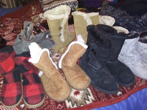 8 pairs womens boots sizes 8 and 9 for Sale in Abilene, TX