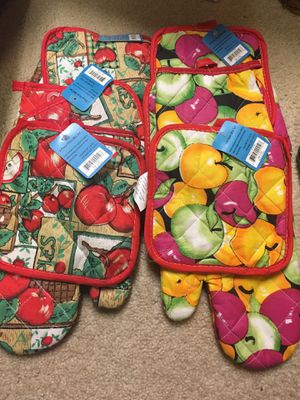 Oven mitts for Sale in Burnsville, MN
