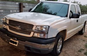 2003 chevy silverado clean title for Sale in Winton, CA