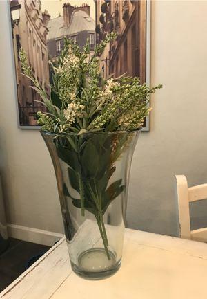 """Heavy Glass Flower Vase 12"""" for Sale in Gilbert, AZ"""