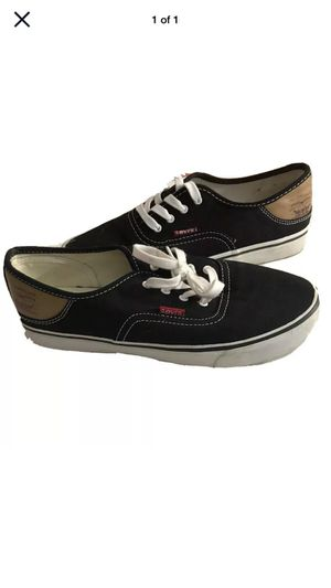 Levi's Unisex Size 7Y Pre-Owned Black Casual Shoes for Sale in Boca Raton, FL