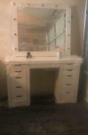 Vanity desk with mirror for Sale in Phoenix, AZ
