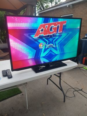 TV flat screen 47 inches no remote for Sale in Dearborn Heights, MI