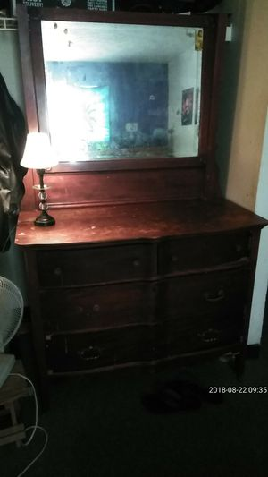 Mirror antique chest of dawers for Sale in Brunswick, MD