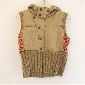 Free People tan and red puffer sweater vest size M for Sale in Vista, CA