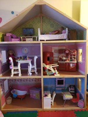 Doll house with furniture included ( American girl doll and and American Girl doll furniture included) in very good condition for Sale in South Brunswick Township, NJ