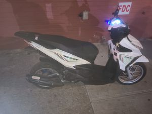 Everthin scooter gas 150cc for Sale in The Bronx, NY