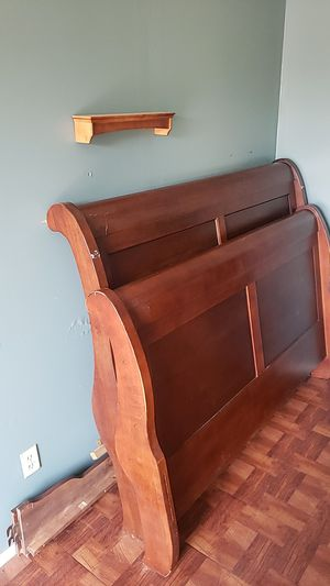 Sleigh queen bed frame for Sale in Brownsville, TX