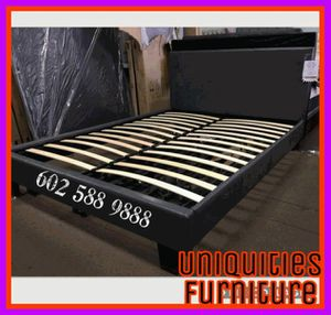 Queen size platform bed frame for Sale in Glendale, AZ