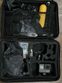 GoPro Hero 5 Black Edition With Accessories for Sale in Vancouver,  WA