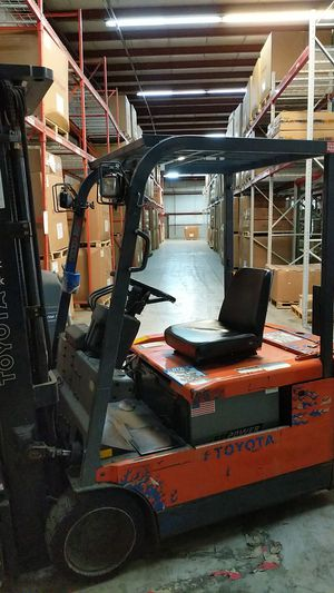 Toyota Sit-down Forklift for Sale in Streamwood, IL