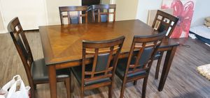 6 seat wood dining table in good condition for Sale in Los Angeles, CA