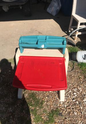 Kids dry a race and desk for Sale in Virginia Beach, VA