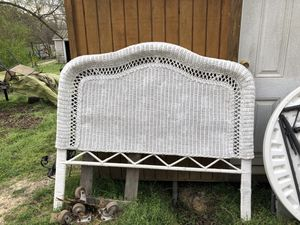 Full-size wicker headboard it is in great condition for Sale in Crewe, VA