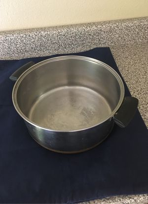 10 quart soup/stew pot for Sale in Carlsbad, CA