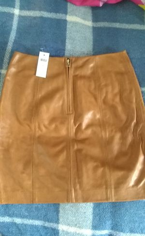 Paid $200 new w/tags ANN TAYLOR LEATHER SKIRT for Sale in Taylor, MI