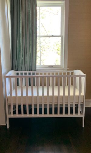 Dream on me folding crib and graco organic mattress - never used!!! for Sale in Los Angeles, CA