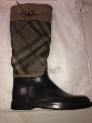 Brand new authentic Burberry rain boots for Sale in Kent, WA