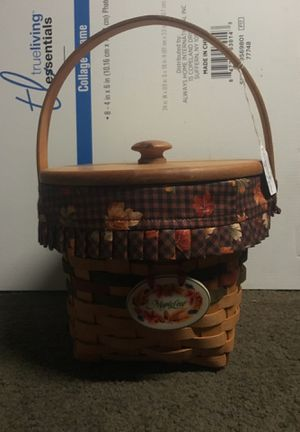 Longaberger basket combo 1996 maple leaf collection for Sale in St. Louis, MO