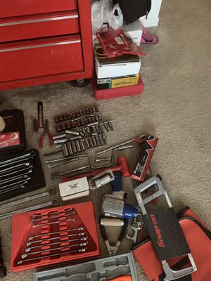 SNAP ON TOOLBOX & TOOL SET & Extras for Sale in Swansea, IL