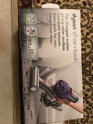 BRAND NEW Dyson v7 car + boat vaccum for Sale in Palos Hills, IL
