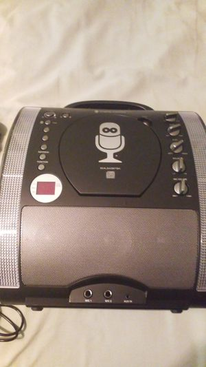 BLUETOOTH KARAOKE WITH DISCO LIGHTS MODEL SML343BTBK for Sale in Marrero, LA