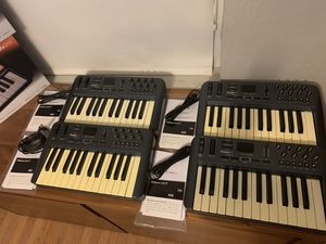 Best Price Online - lot M-Audio Music Keyboard (4) Midi Controller 25 Key V1 for Sale in Miami Shores, FL