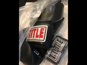 Title boxing gloves and wraps for Sale in Orlando, FL
