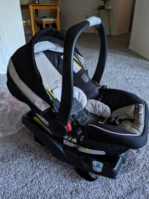 Graco snugride click connect car seat for Sale in East Lansing, MI