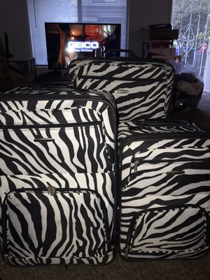 Luggage for Sale in Alta Loma, CA