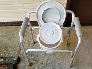 Portable toilet for Sale in Galena, OH