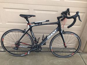 Large Giant Defy Advanced Carbon Fiber Road Bike for Sale in Phoenix, AZ
