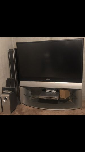 """61"""" Panasonic DLP TV, 5 disc receiver 6 speaker surround sound for Sale in Fairview Heights, IL"""