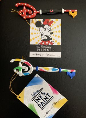 Disney store Minnie and ink key for Sale in Los Angeles, CA