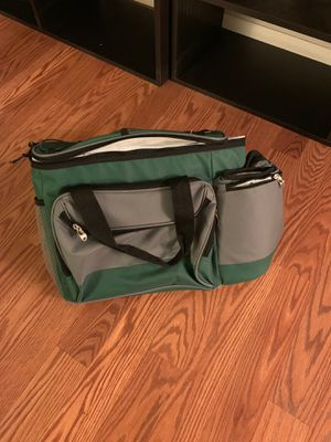 Fishing cooler with cup holders for Sale in Albuquerque, NM