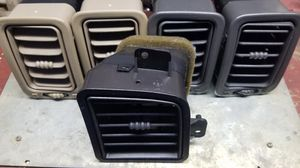 GM hvac air vents for front dash OEM for Sale in Gonzales, LA