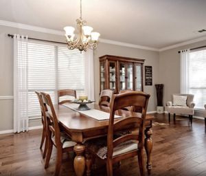 Dining Table & Hutch - Priced to sell ASAP!!! for Sale in Leander, TX