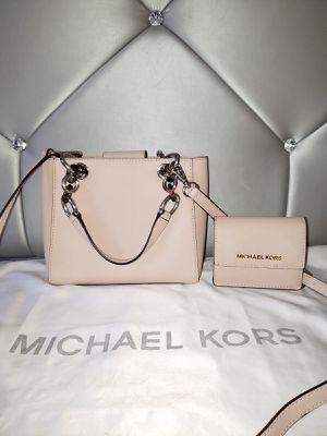 Michael Kors Cynthia Satchel Crossbody With Wallet 💯AUTHENTIC👌 for Sale in San Diego, CA