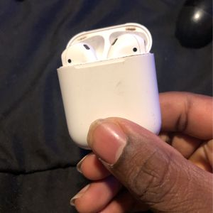 Air pods already Charged for Sale in New Haven, CT