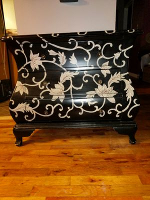 Console table for Sale in Detroit, MI