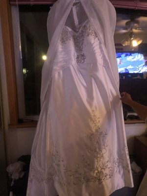 jj's house wedding dress never worn tags still on! for Sale in West Jordan, UT