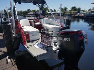 2019 Caravelle Razor Deck Boat 258 Party Fish for Sale in Pompano Beach, FL