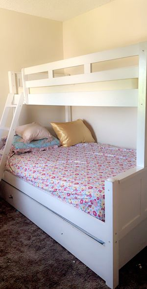 Full over Twin bunk Bed with trundle (Matress Not Included) for Sale in Santee, CA